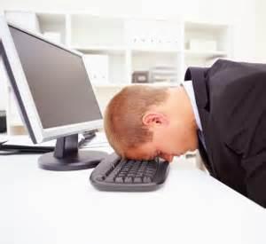 cabeça no teclado